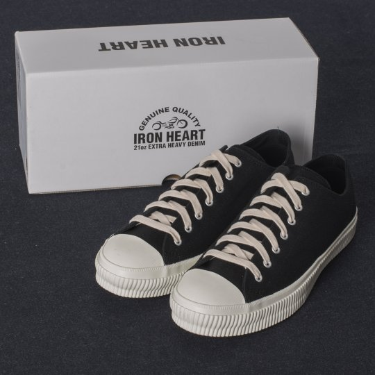 21oz Black Denim Low-Top Sneakers