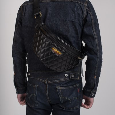 Diamond Stitched Leather Waist Bag Black/Black