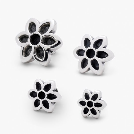 GOOD ART HLYWD Cutout Rosette Stud Earring - Sterling Silver